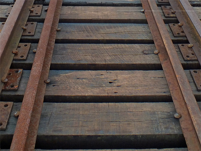 track_640